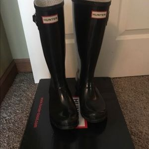 Black Hunter Boots Size 6 Big Kids